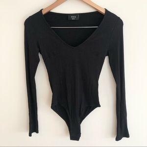 Vici Long-Sleeve V-neck Bodysuit Black Size Small